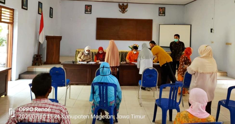 Tagana Magetan Sukseskan Pencairan BST di Kecamatan Sukomoro
